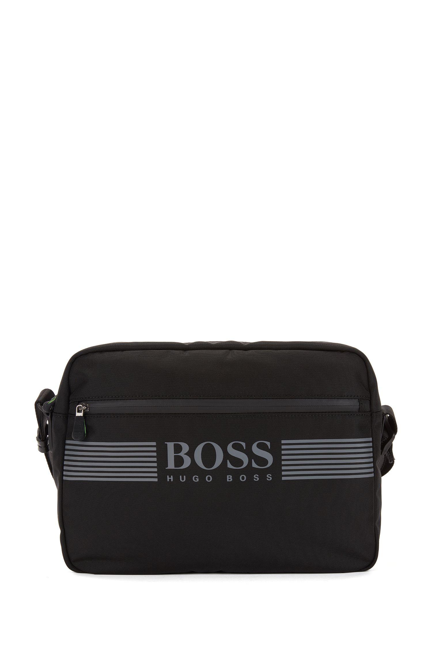 Messenger bag in durable nylon