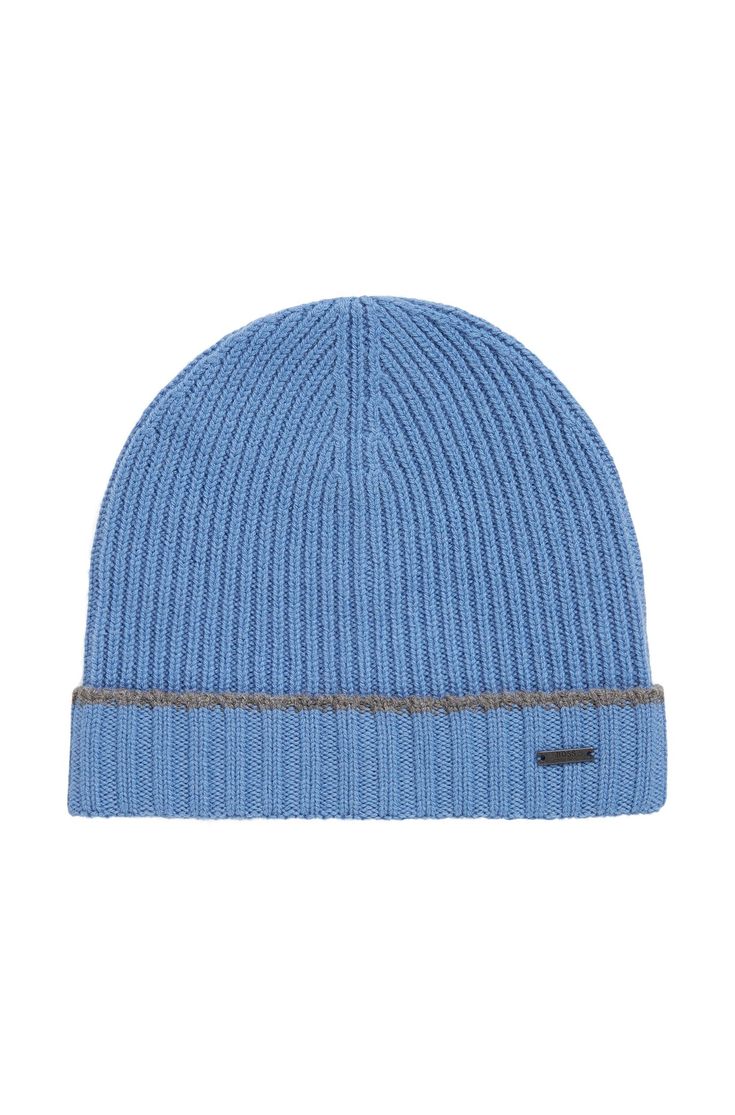 Knitted beanie hat in virgin wool