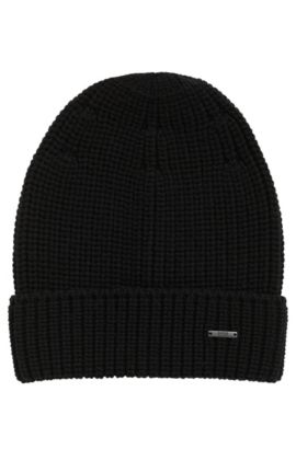 Knitted beanie hat in pure wool, Black
