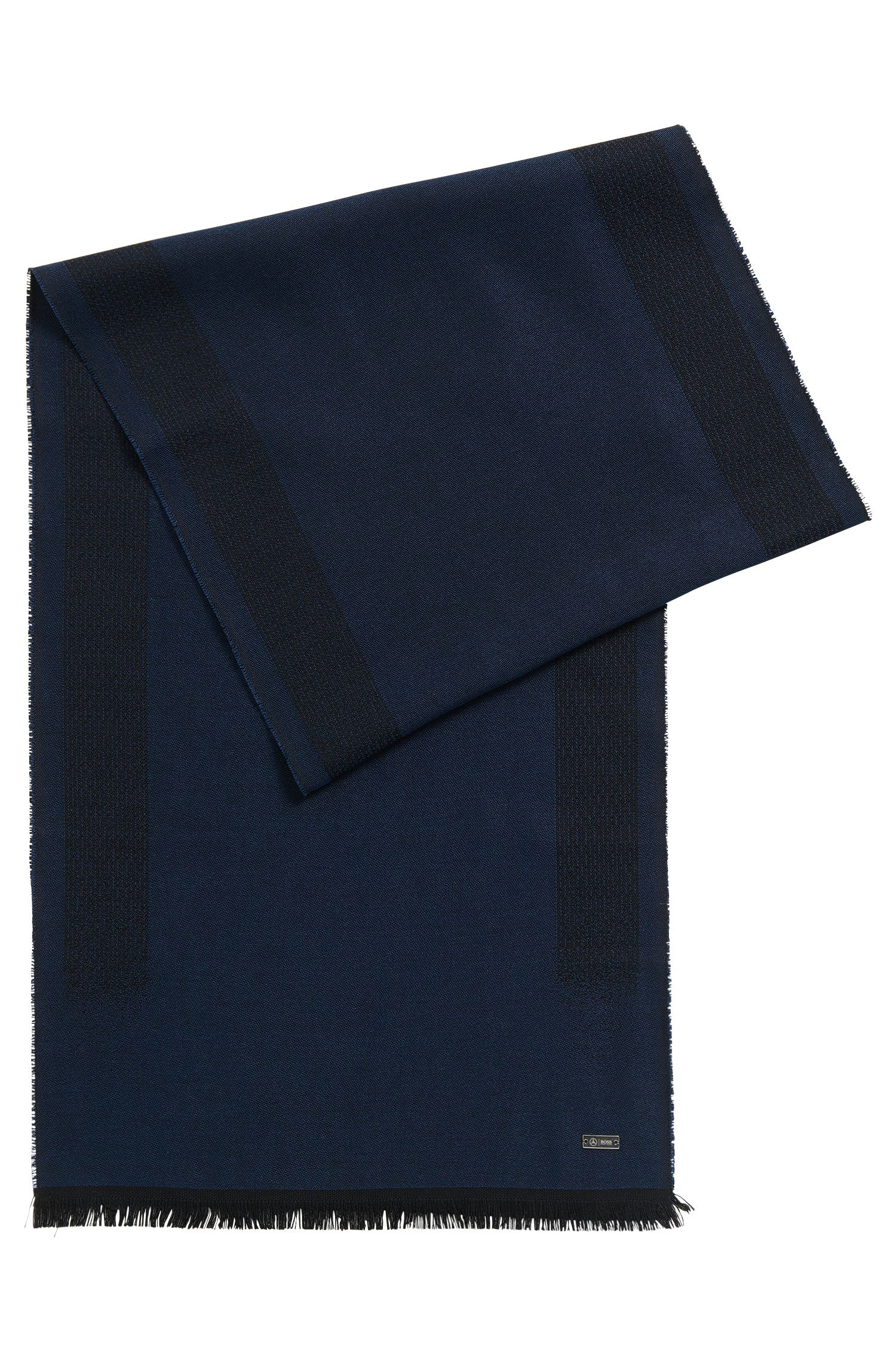 Lightweight scarf in a wool-blend jacquard