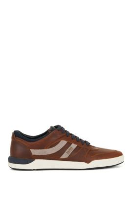 Lace-up trainers in pull-up leather, Brown