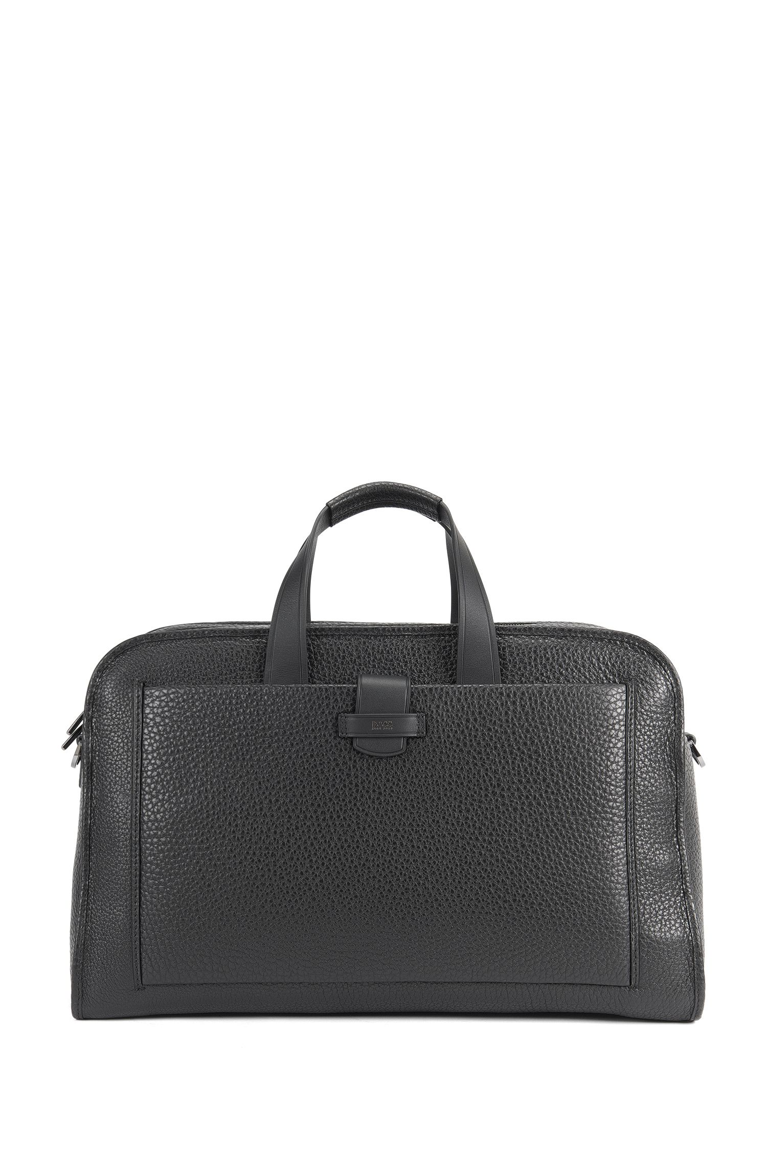 Weekend bag in grained leather