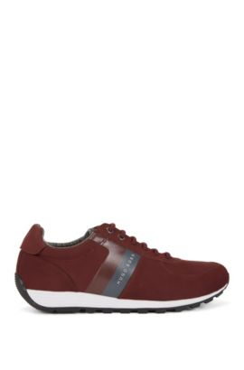 Low-top retro trainers in soft nubuck, Dark Red