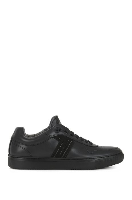 Low-top lace-up trainers in soft leather with ultra-lightweight sole, Black