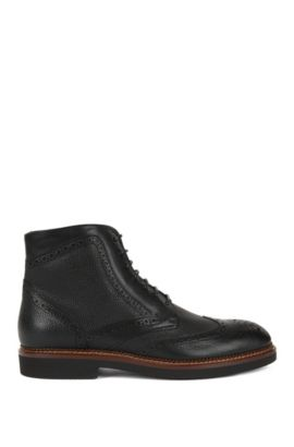 Lace-up boots in scotch-grain leather, Black