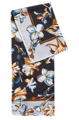 Zijden sjaal met handgeschilderde bloemen, Bedrukt