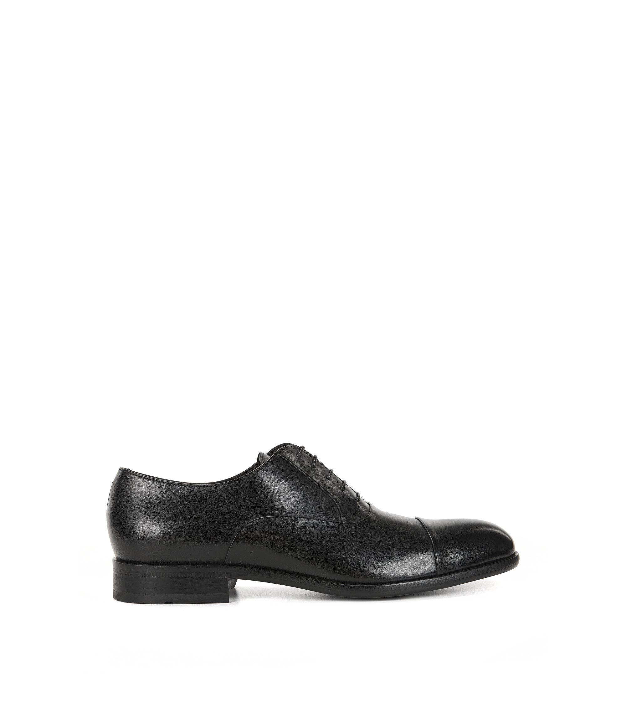 Lace-up Oxford shoes in polished leather, Zwart