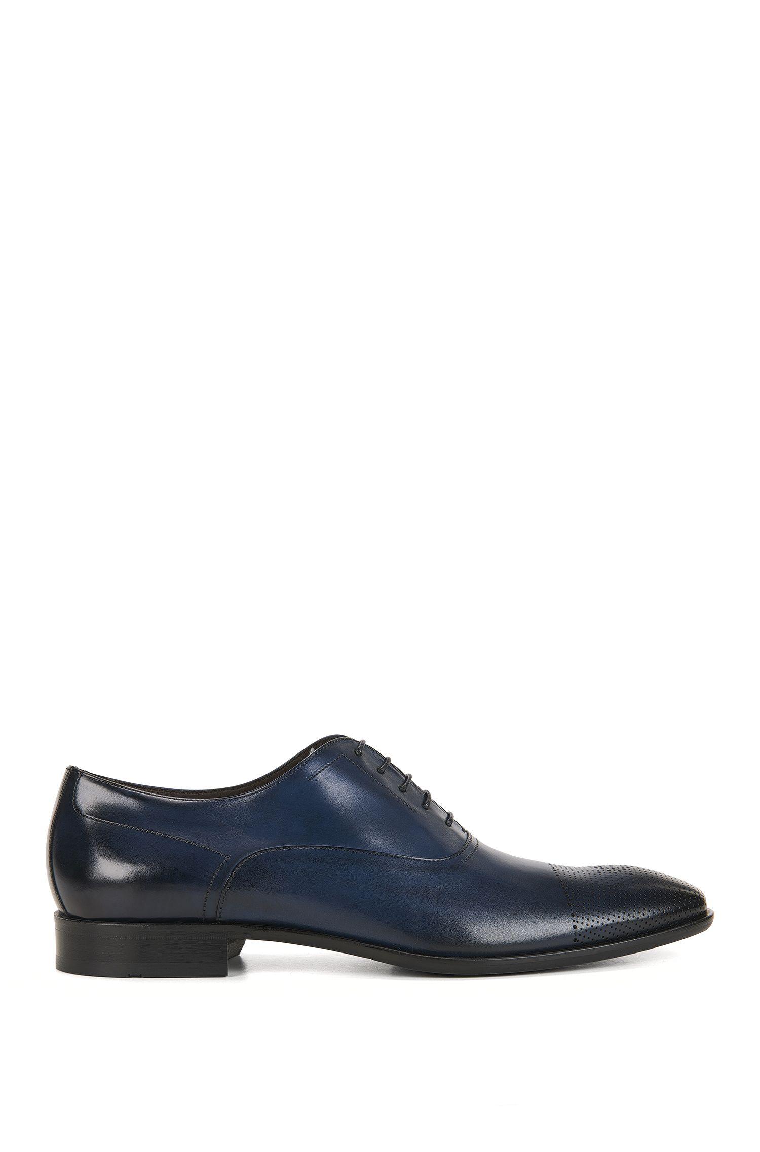 Chaussures Oxford en cuir à bout droit découpé au laser
