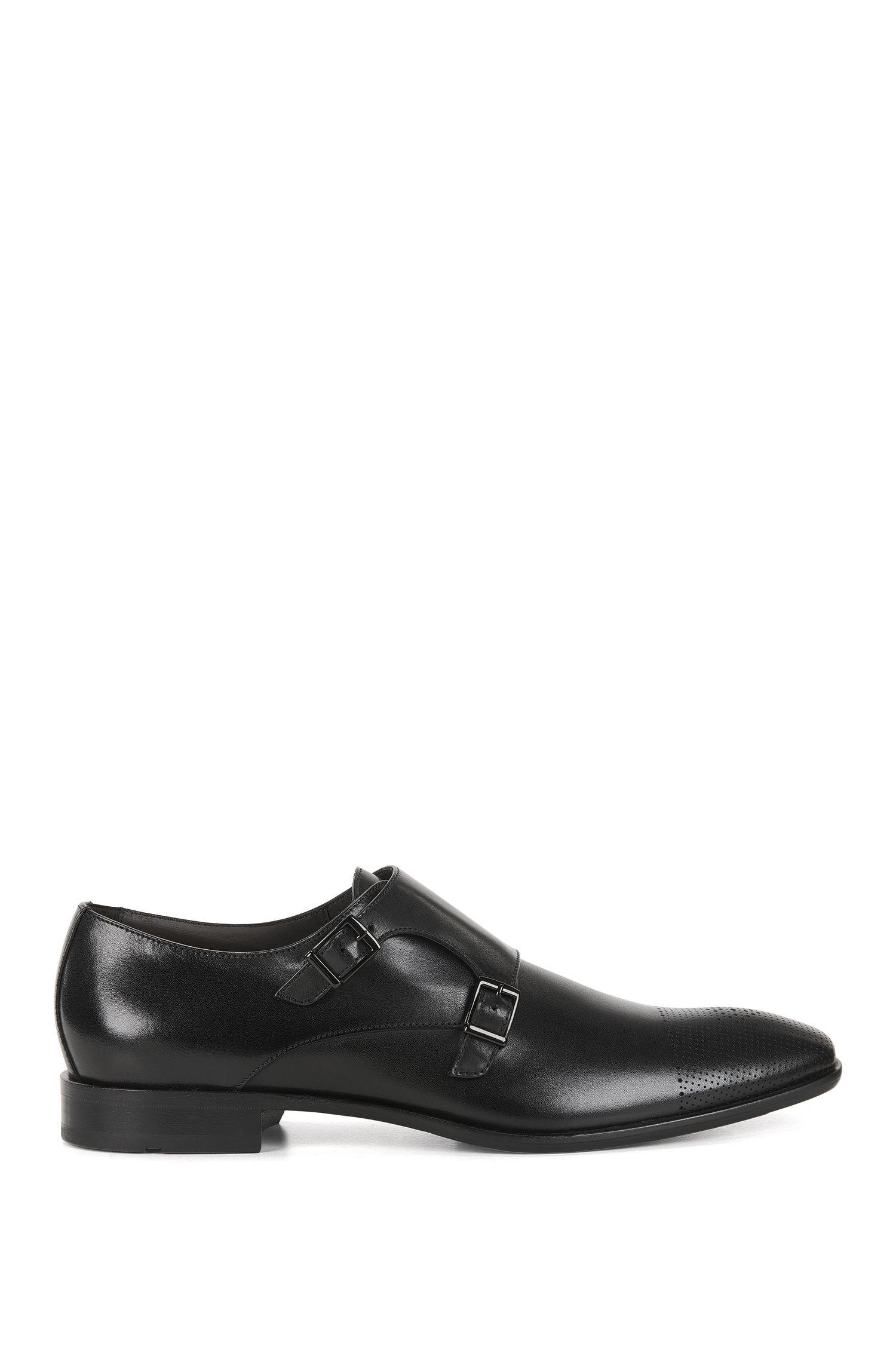 Chaussures en cuir à double boucle et bout droit découpé au laser