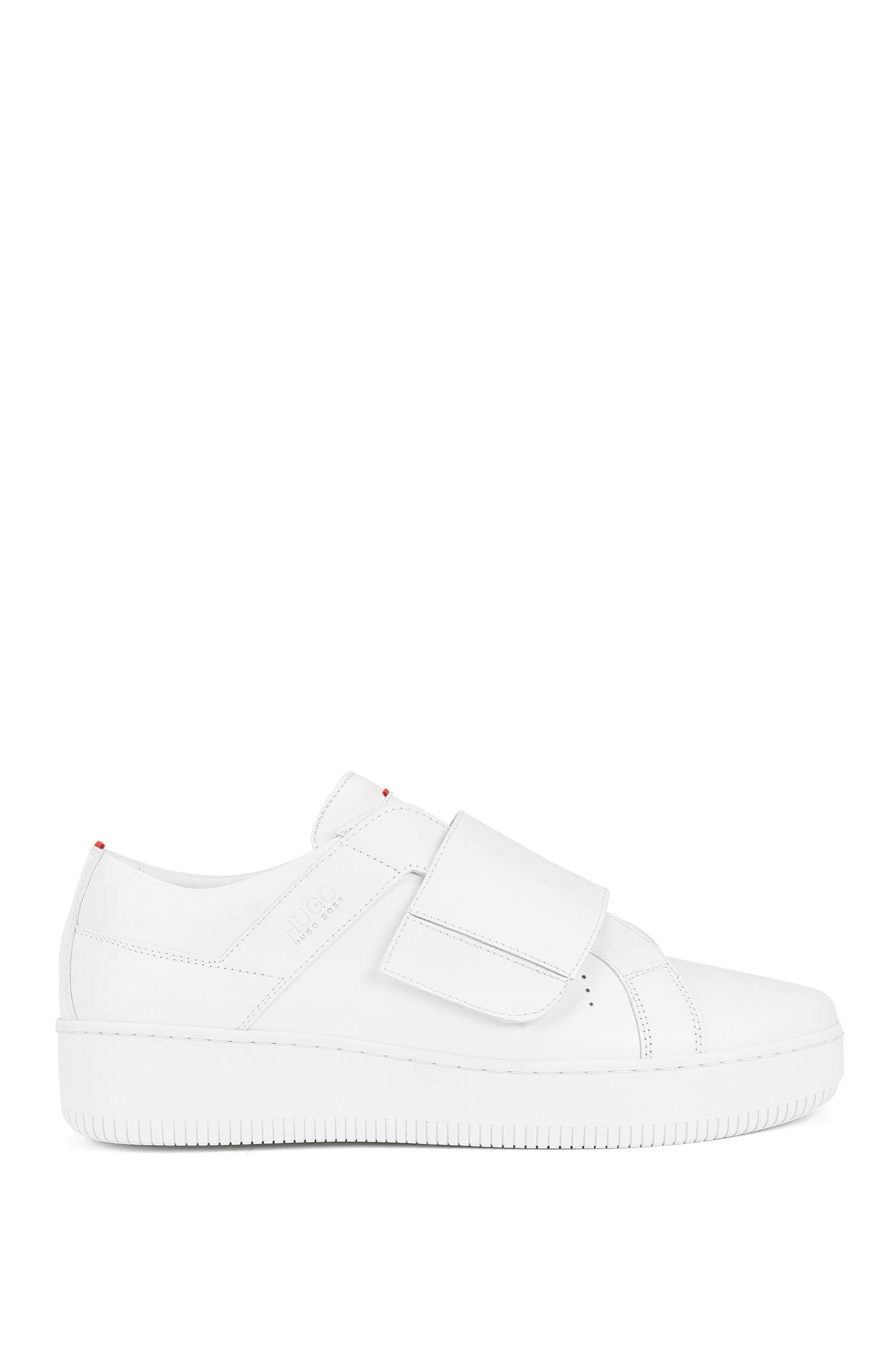 Sneakers aus italienischem Leder mit Klettverschluss