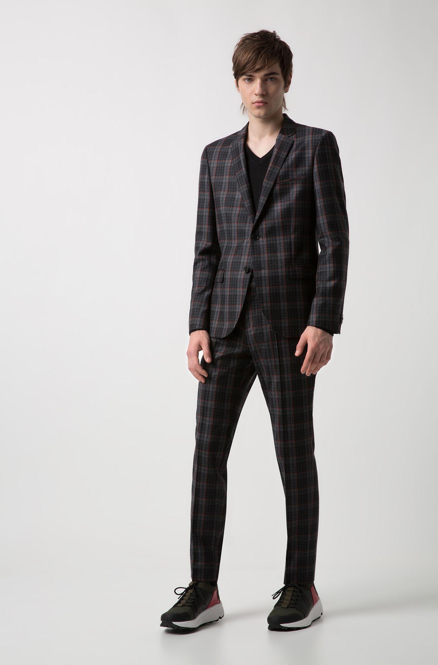 Slim-fit V-neck sweater in Merino wool, Black