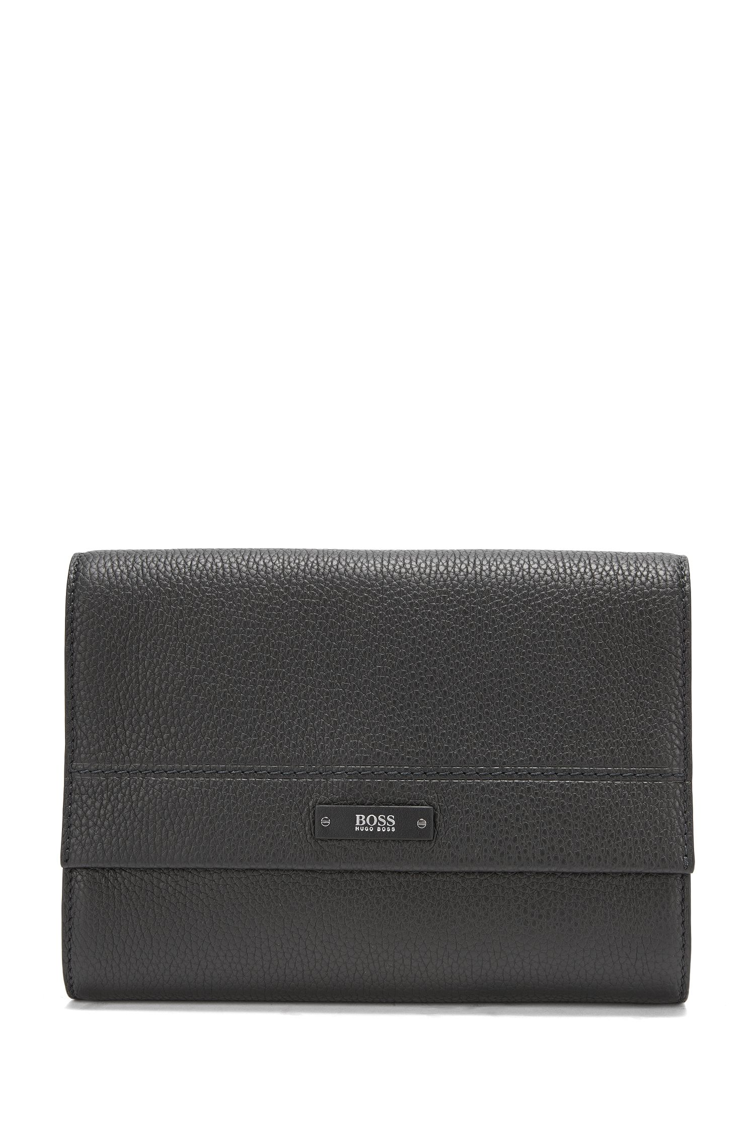 Washbag in soft grained leather