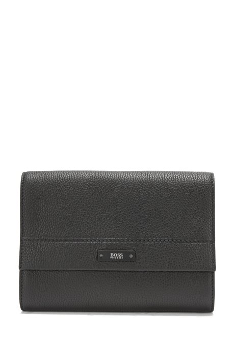 Washbag in soft grained leather, Black