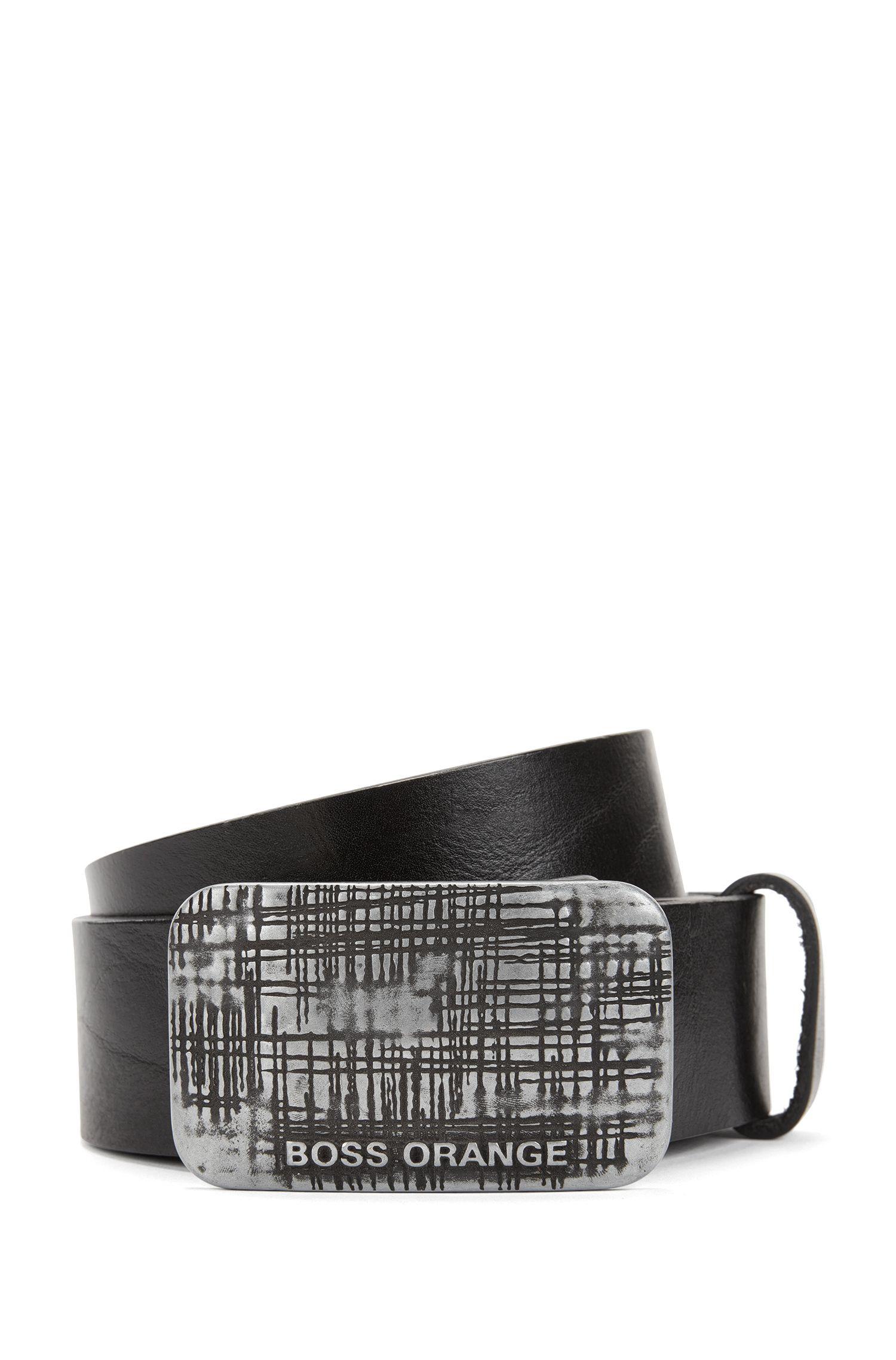 Cinturón de piel exclusiva con hebilla con placa