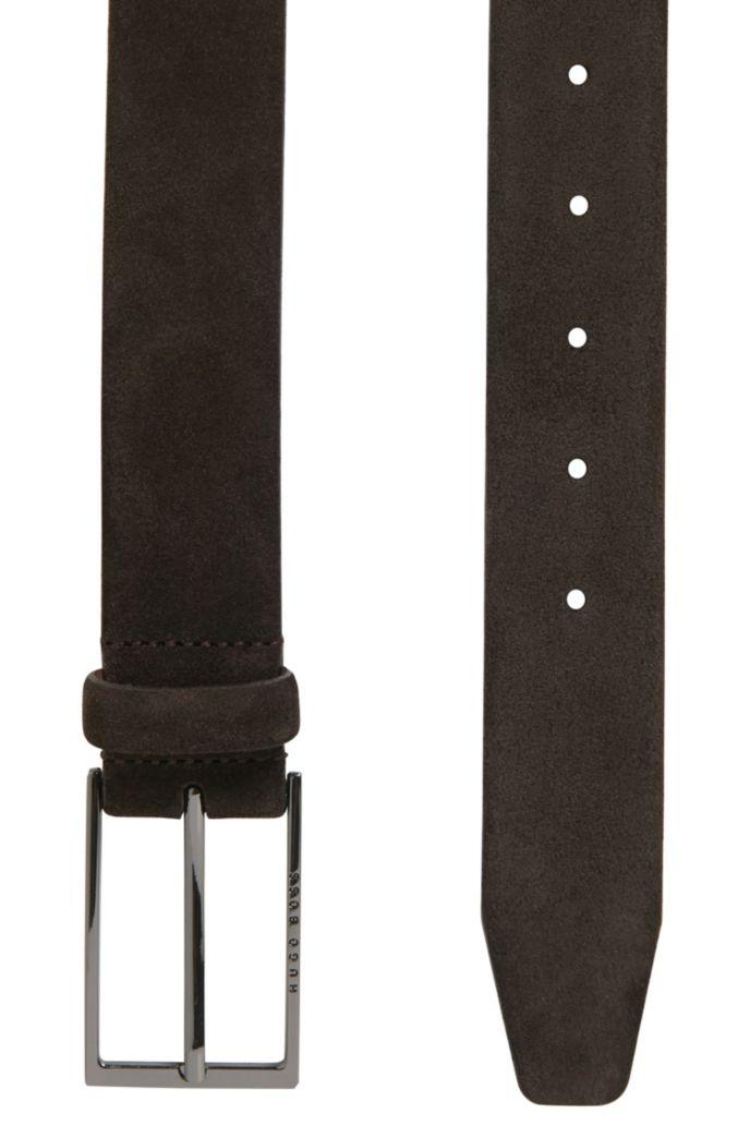 Cinturón de ante con hebilla de metal pesado pulido