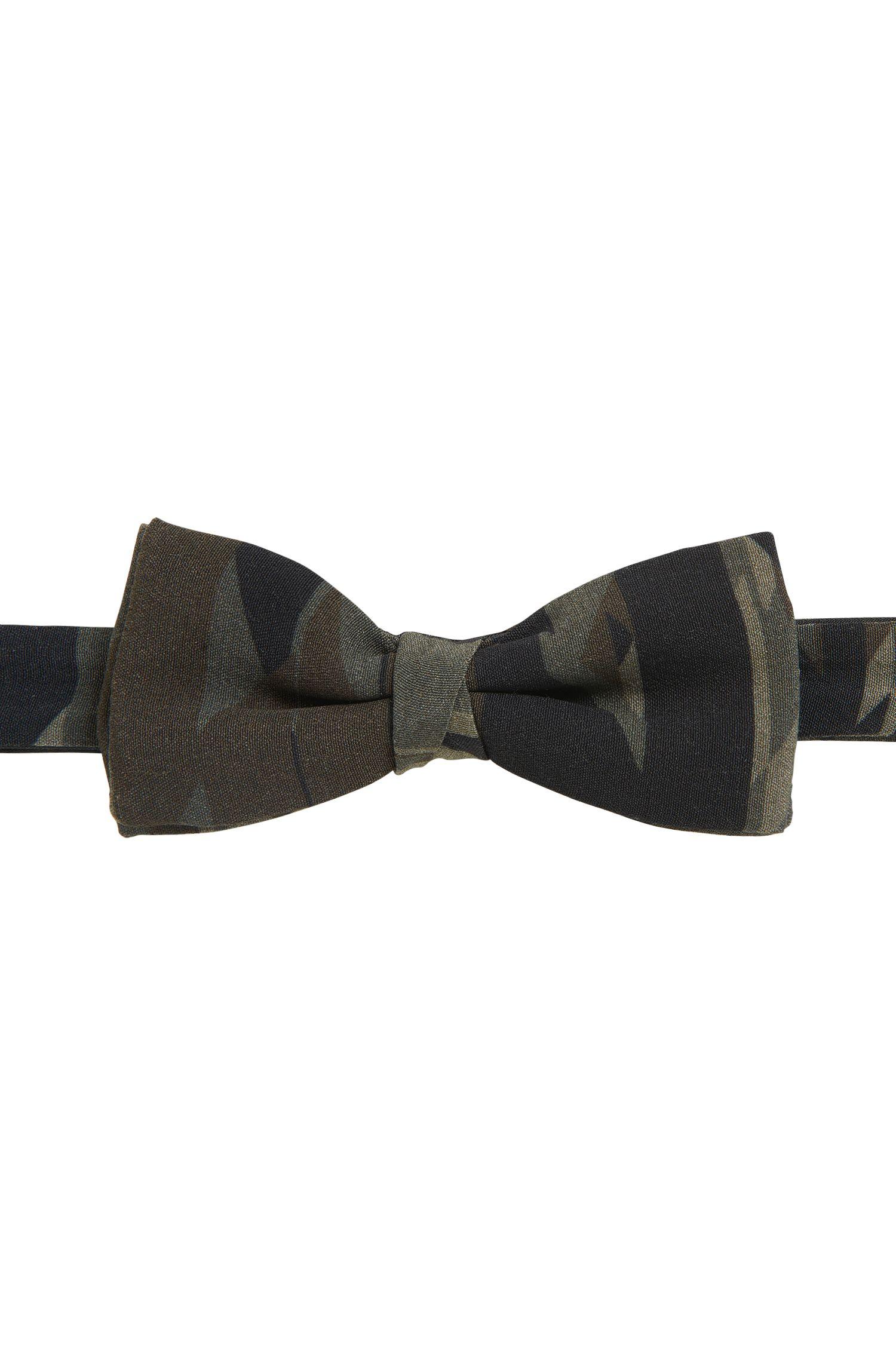 Fliege aus Material-Mix mit Camouflage-Print
