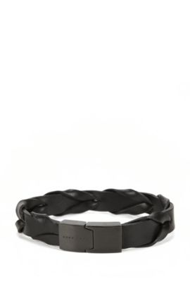 Woven leather bracelet with magnet closure, Black