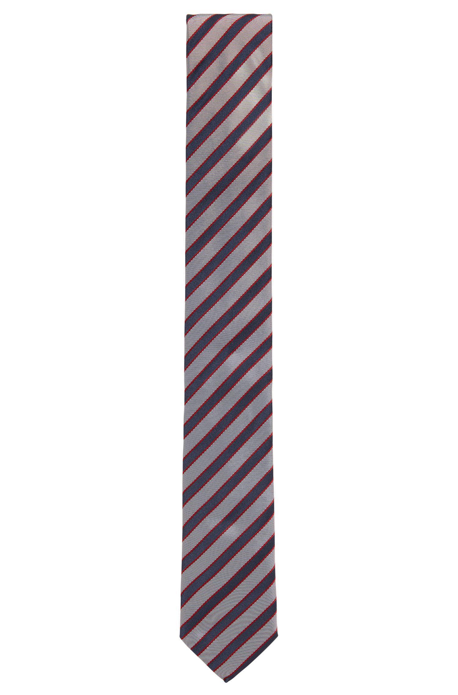 Silk jacquard tie with diagonal stripes