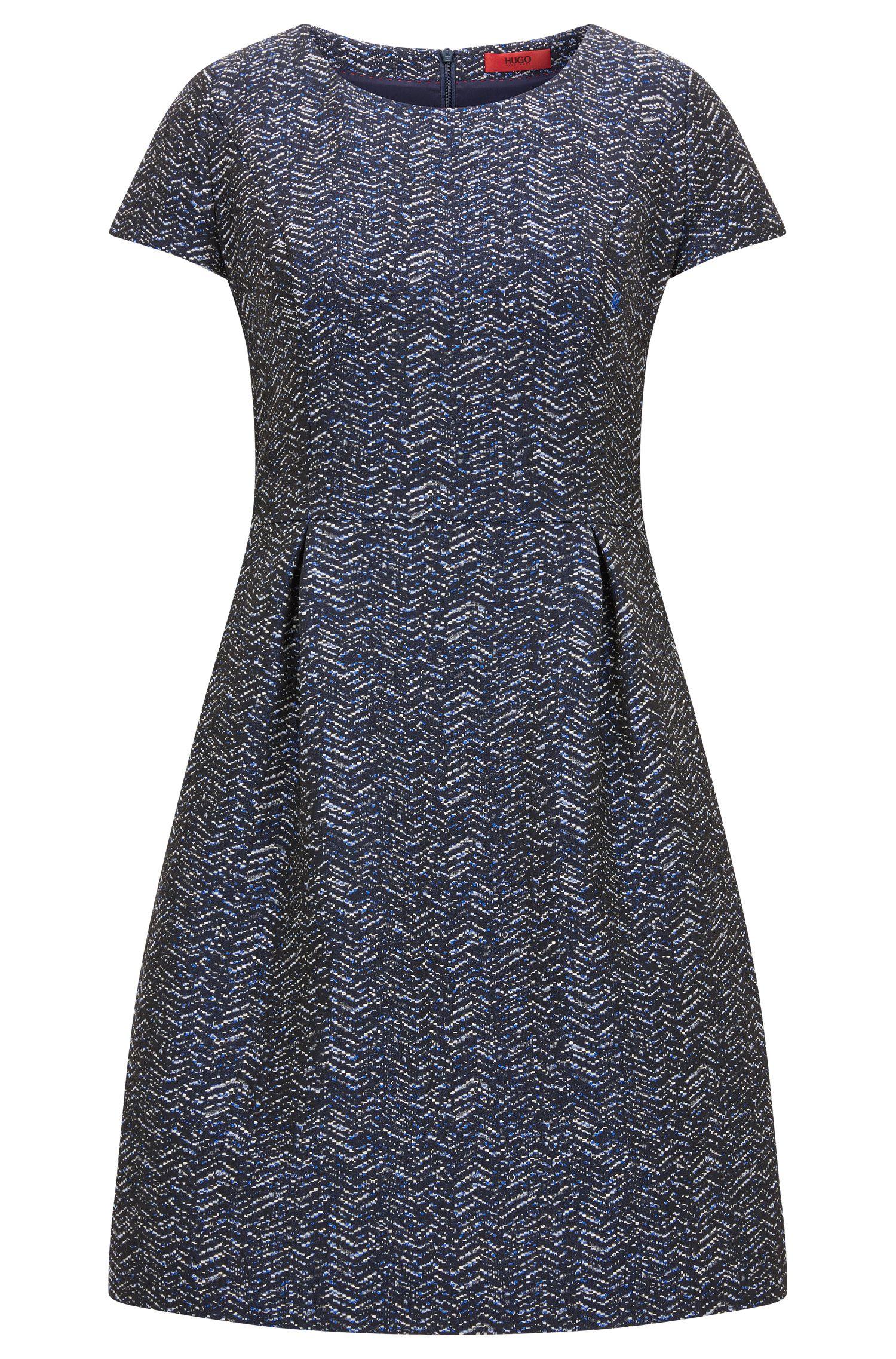 Short-sleeved dress in zig zag jacquard