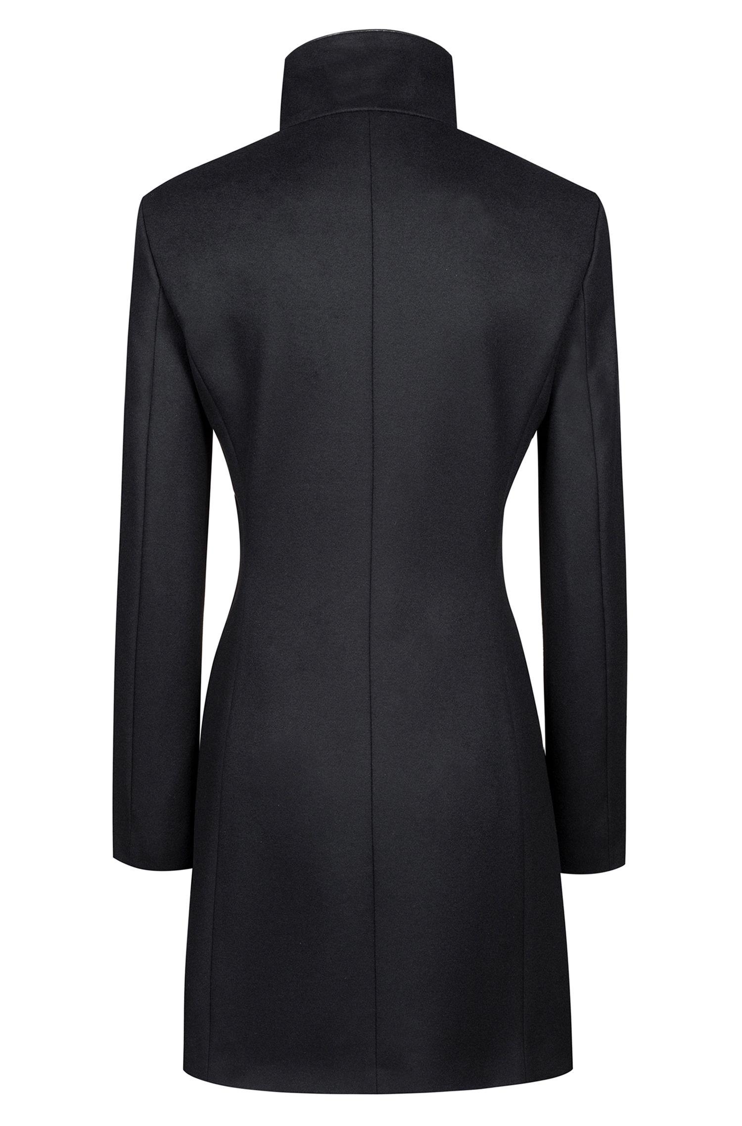 Manteau Slim Fit en laine vierge mélangée à passepoil
