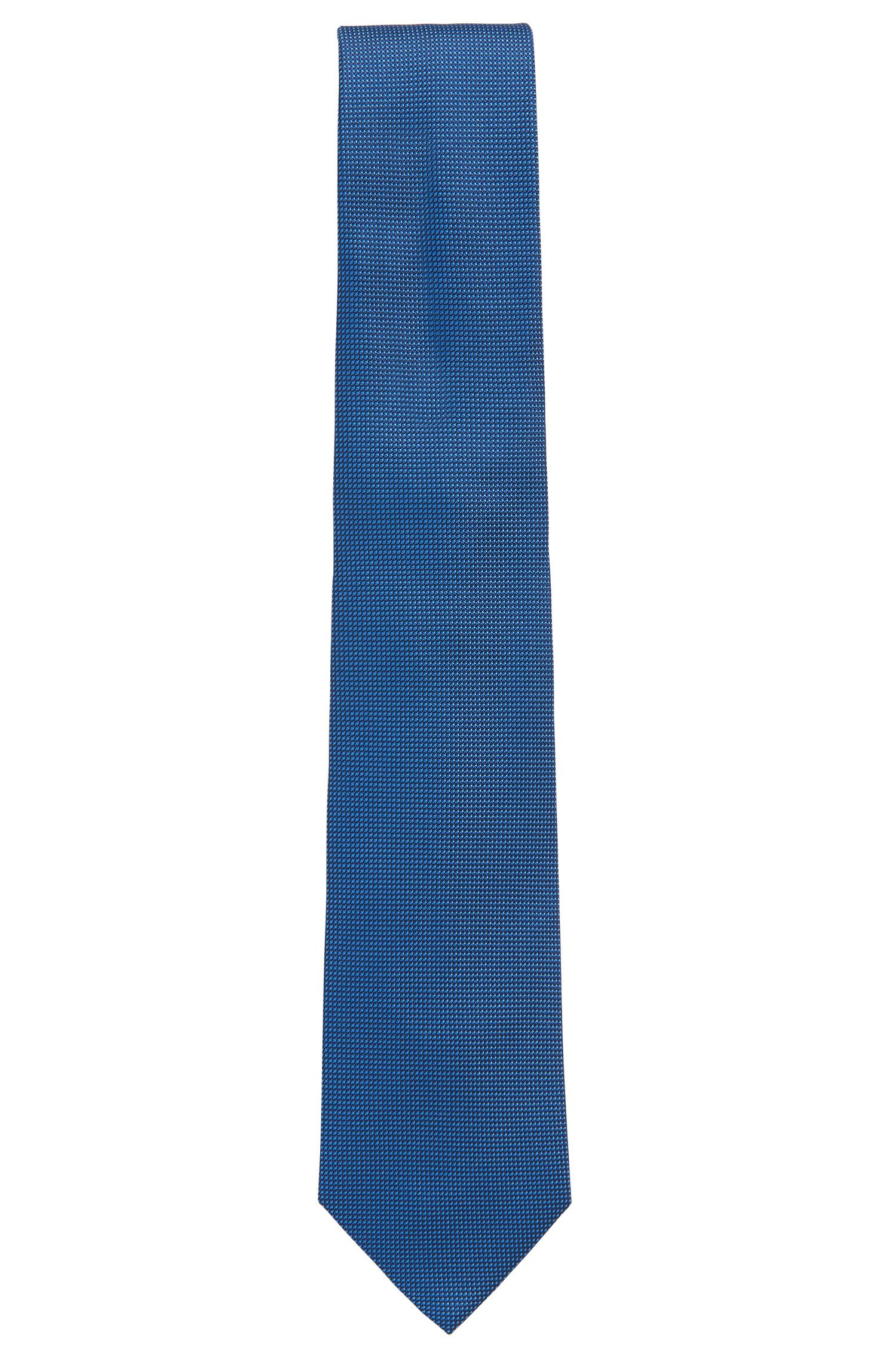 Finely patterned tie in silk jacquard