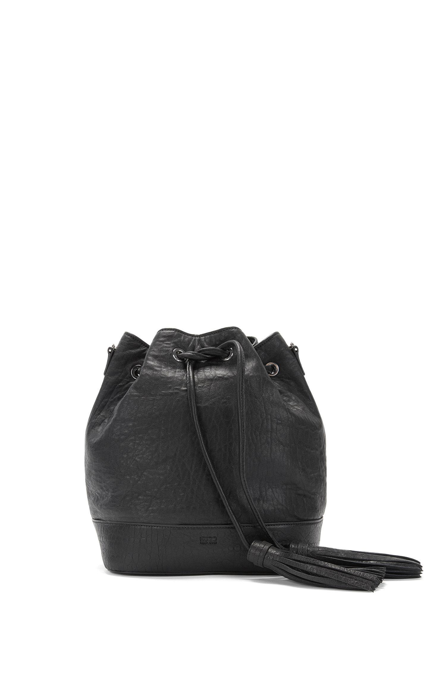 Drawstring bucket bag in Italian leather