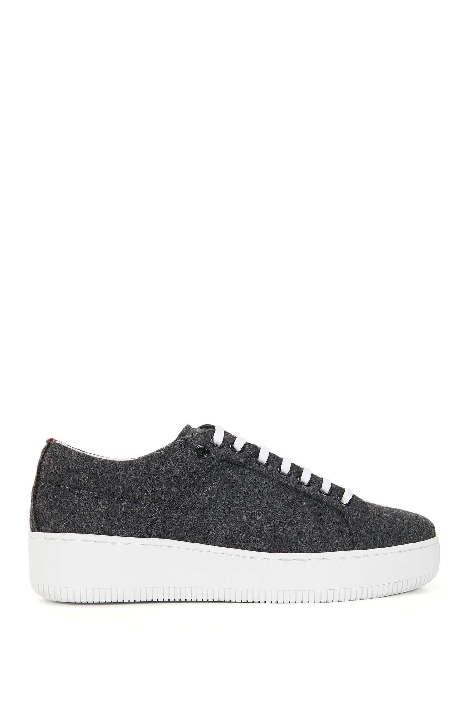 Sneakers met veters, van winterse wol