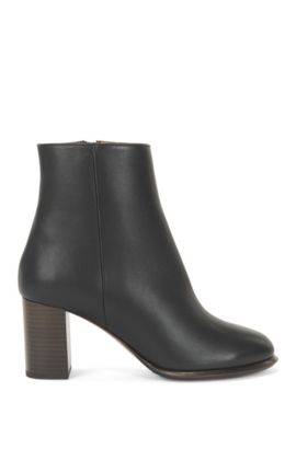 Leather boots on a chunky heel, Black