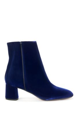 Heeled ankle boots in soft velvet, Blue