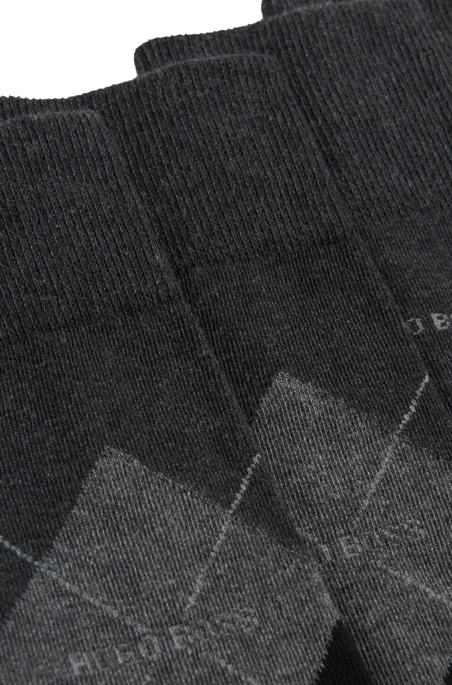 Chaussettes mi-mollet en coton peigné mélangé, en lot de deux, avec une paire unie et une paire à motif