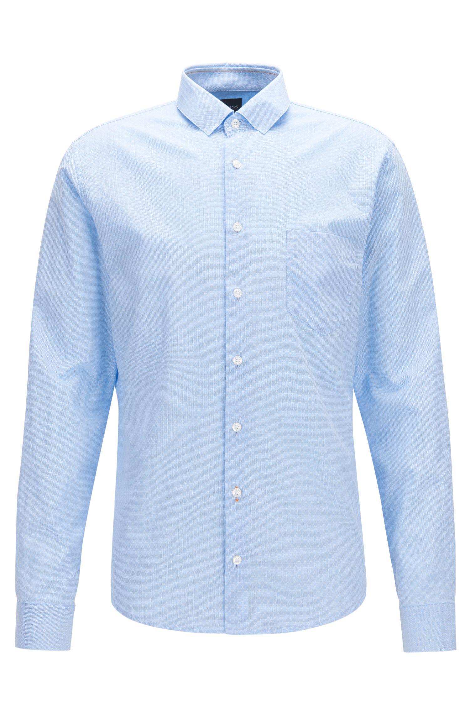 Camicia slim fit in cotone lavato con lavorazione dobby geometrica