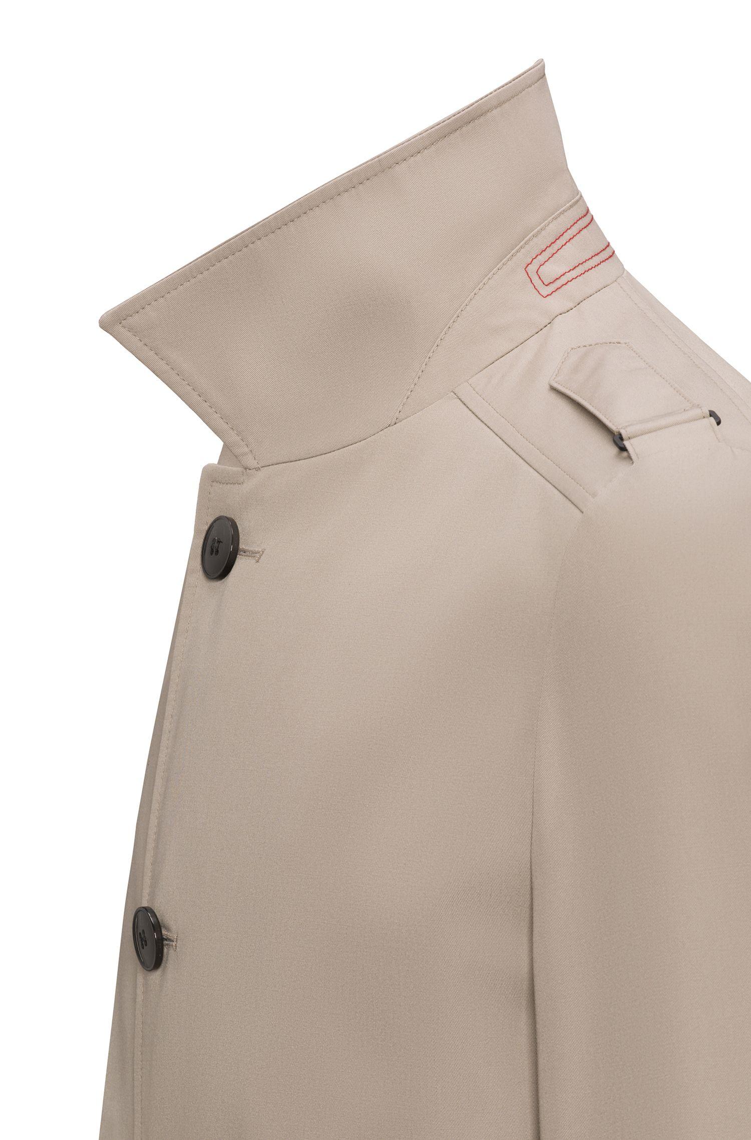 Mittellanger Slim-Fit Trenchcoat aus wasserabweisendem Material-Mix mit Baumwolle