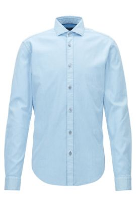 Camisa slim fit de algodón elástico con textura teñido en prenda, Celeste