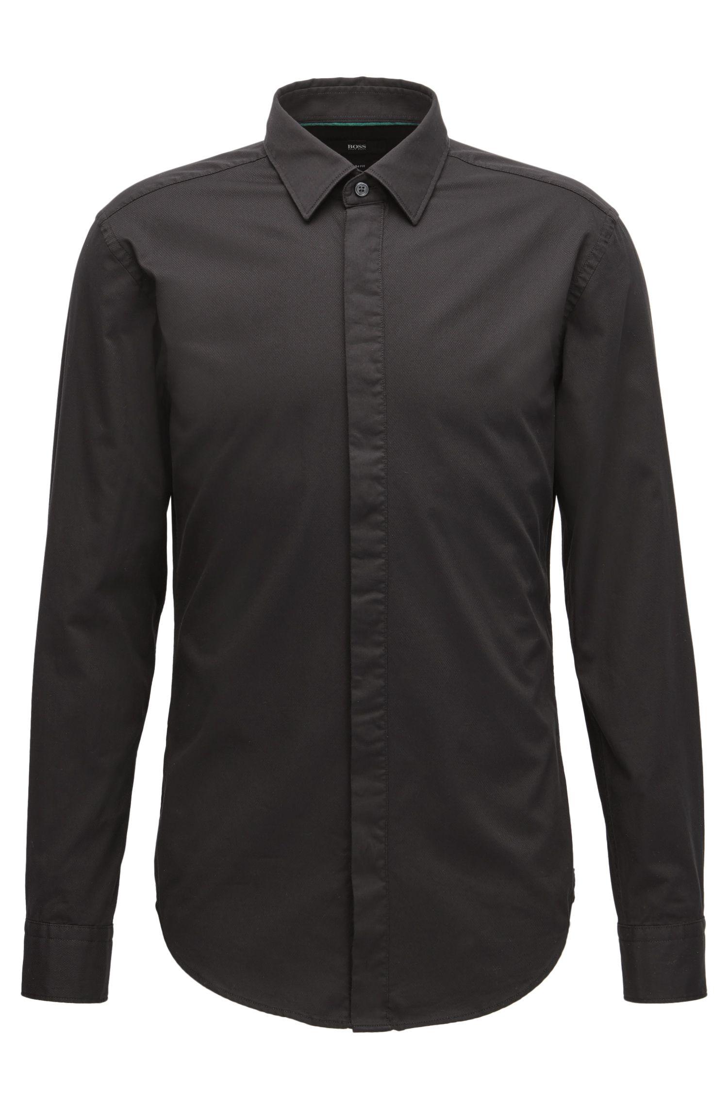 Camicia slim fit in cotone dobby con allacciatura nascosta in satin