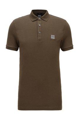 Poloshirt aus gewaschenem Piqué mit Logo-Aufnäher, Khaki