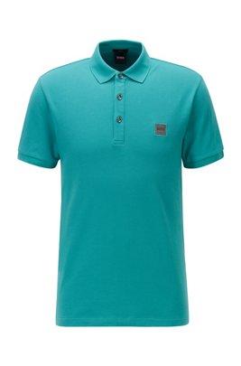Poloshirt aus gewaschenem Piqué mit Logo-Aufnäher, Türkis