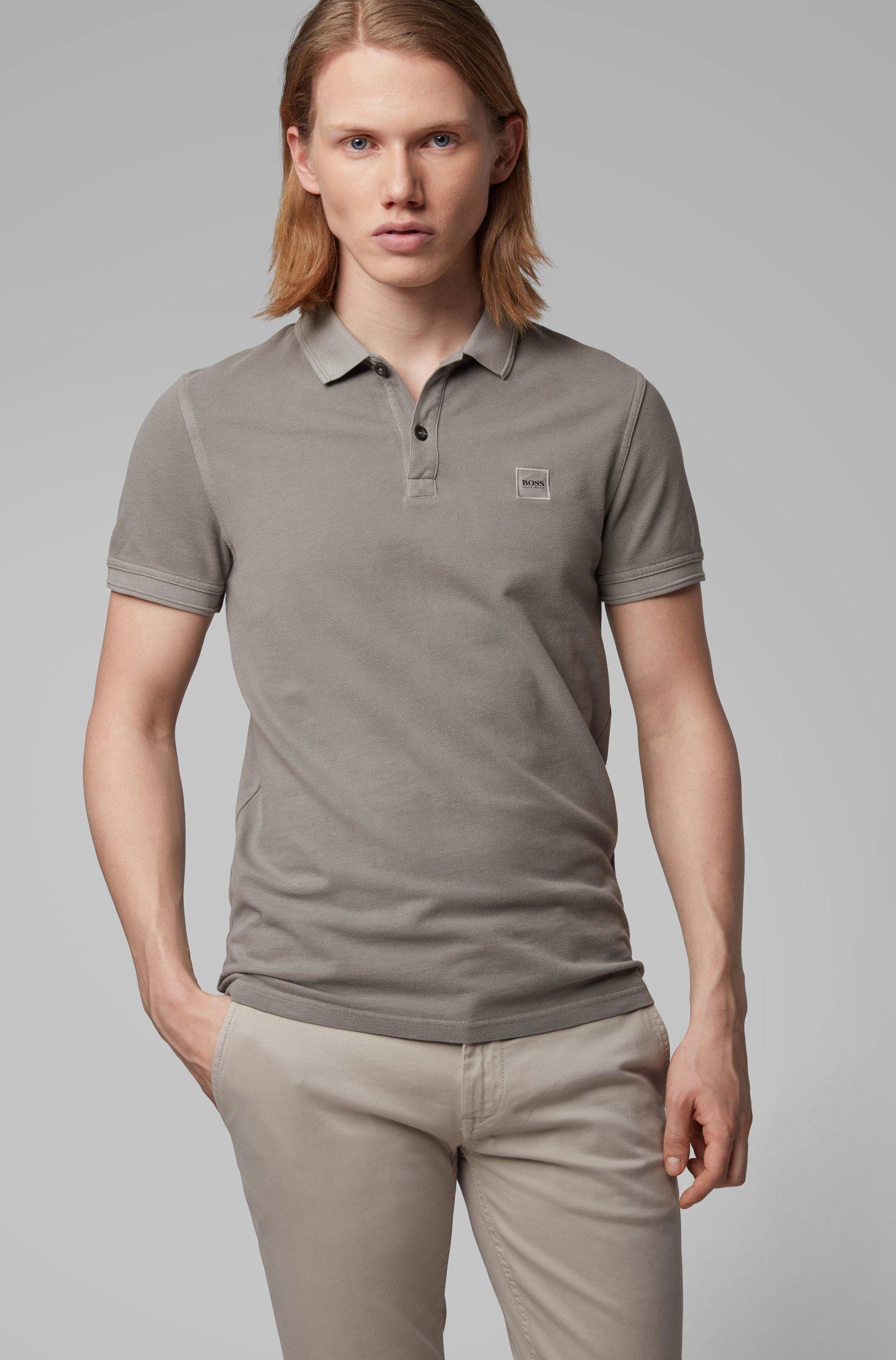 Slim-Fit Poloshirt aus gewaschenem Baumwoll-Piqué, Grau