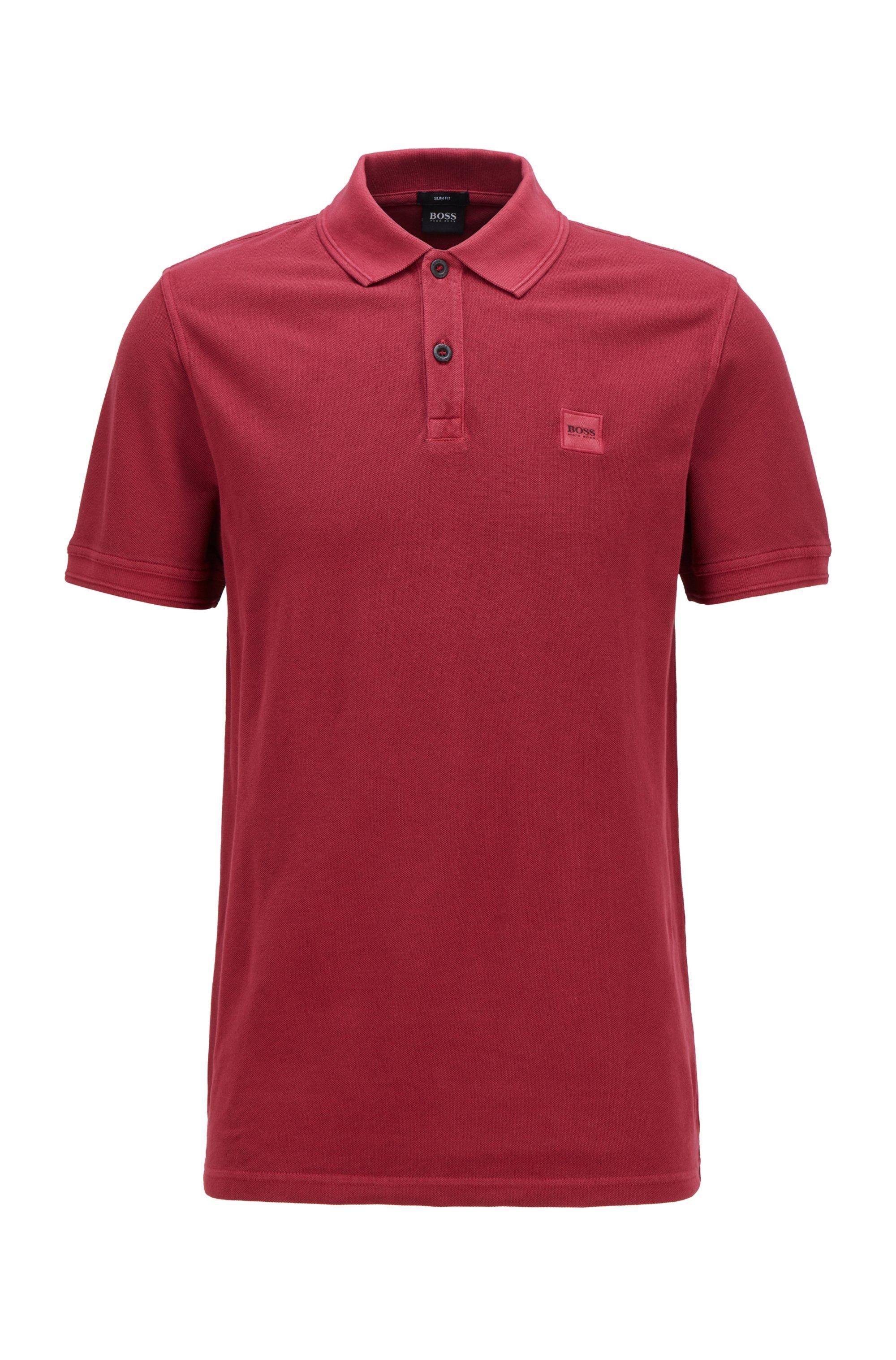 Slim-Fit Poloshirt aus gewaschenem Baumwoll-Piqué, Dunkelrot