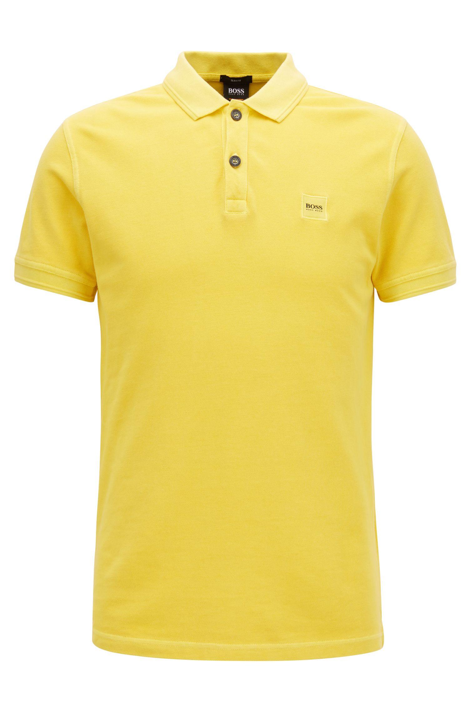 Slim-Fit Poloshirt aus gewaschenem Baumwoll-Piqué, Gelb