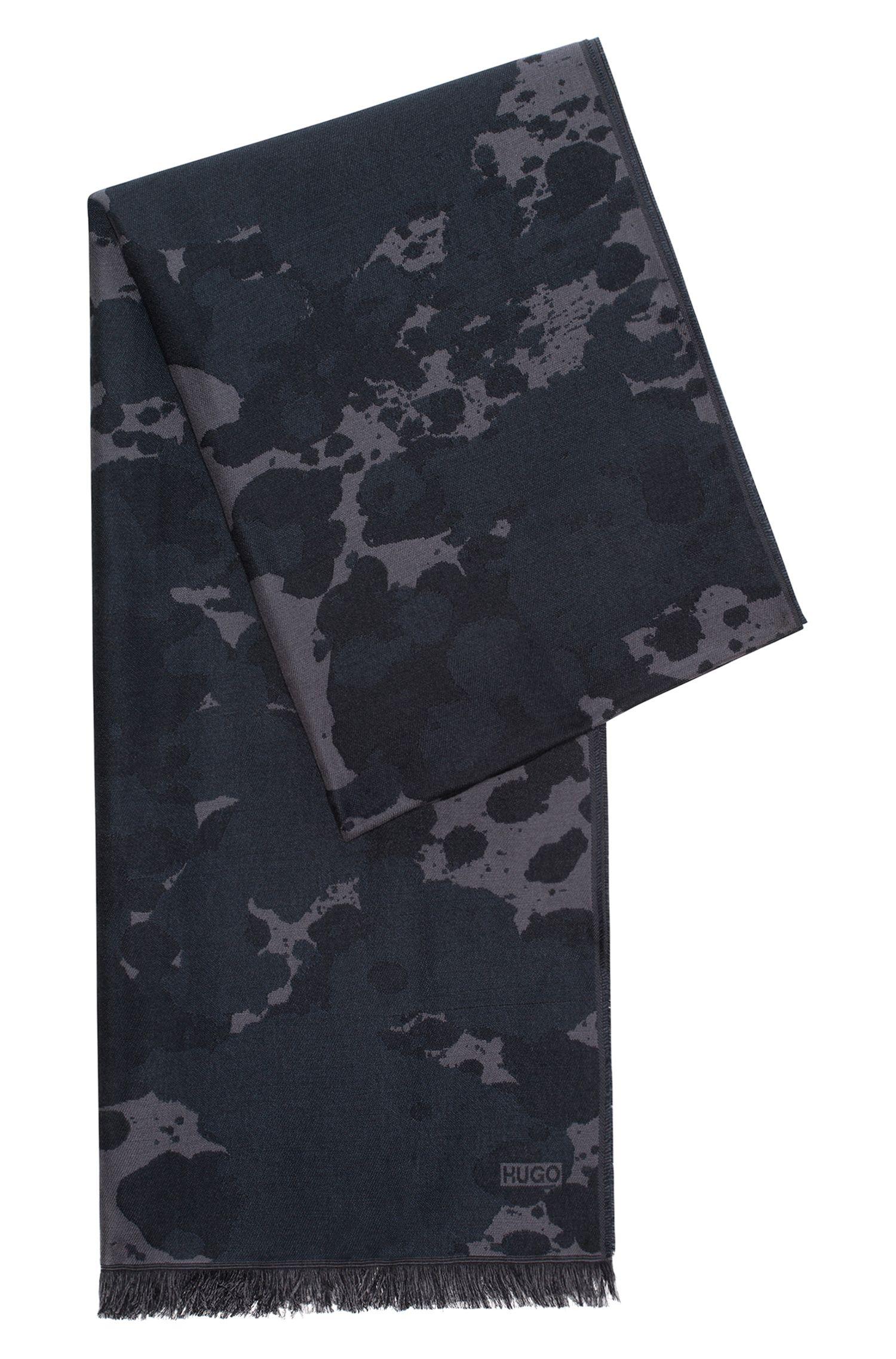 Jacquard-Schal aus einem Modal-Mix mit Wolle