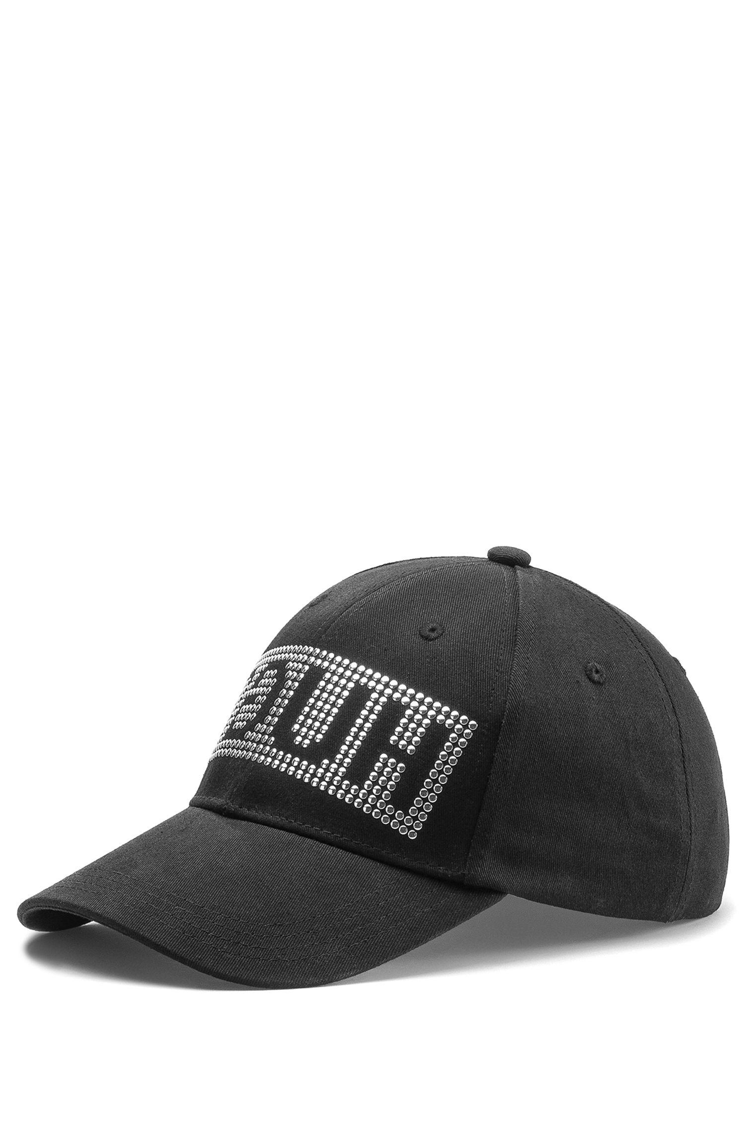 Cappellino da baseball in gabardine con logo a rovescio e borchie