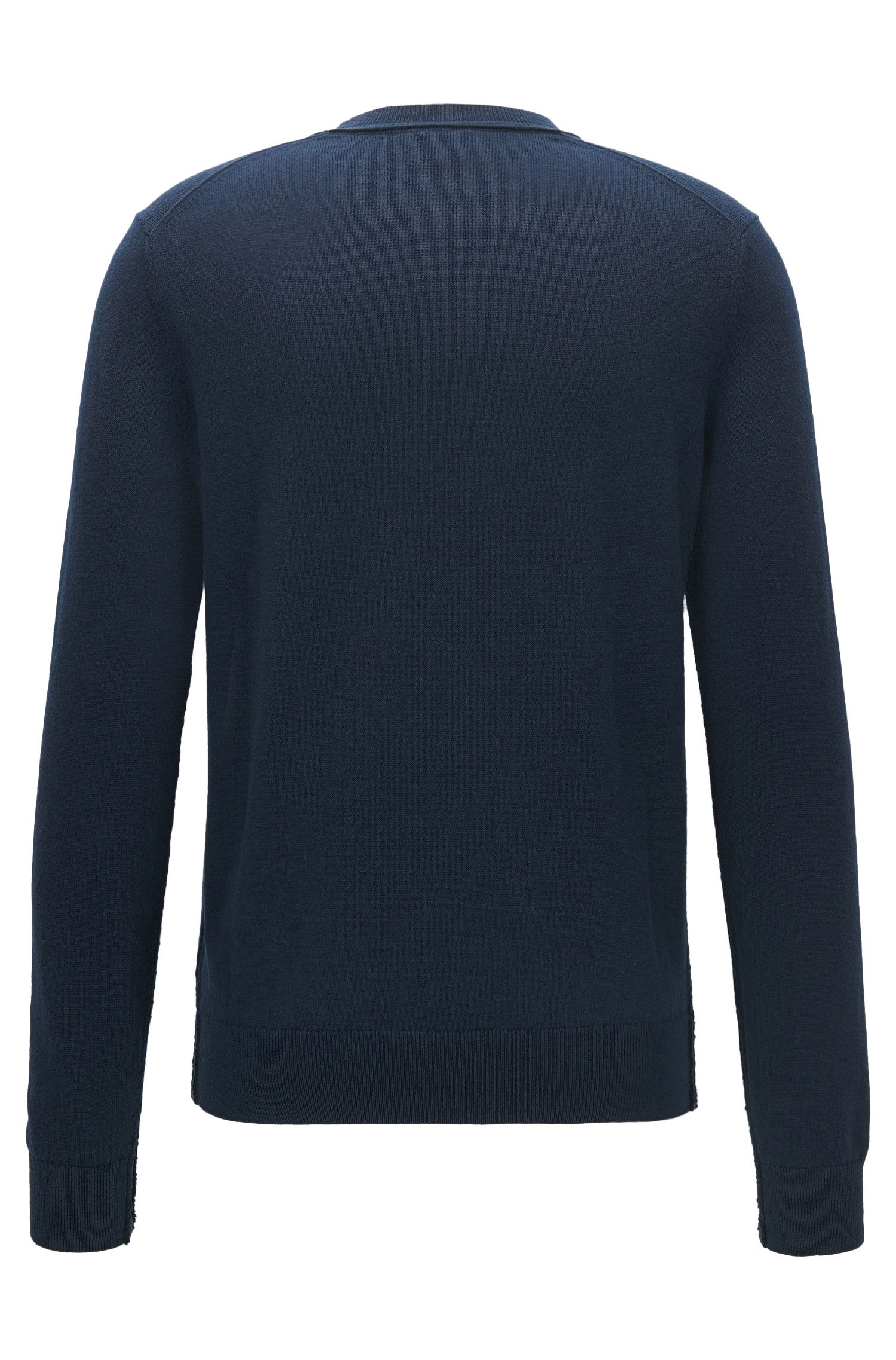 Lightweight sweater with broken-edge detailing
