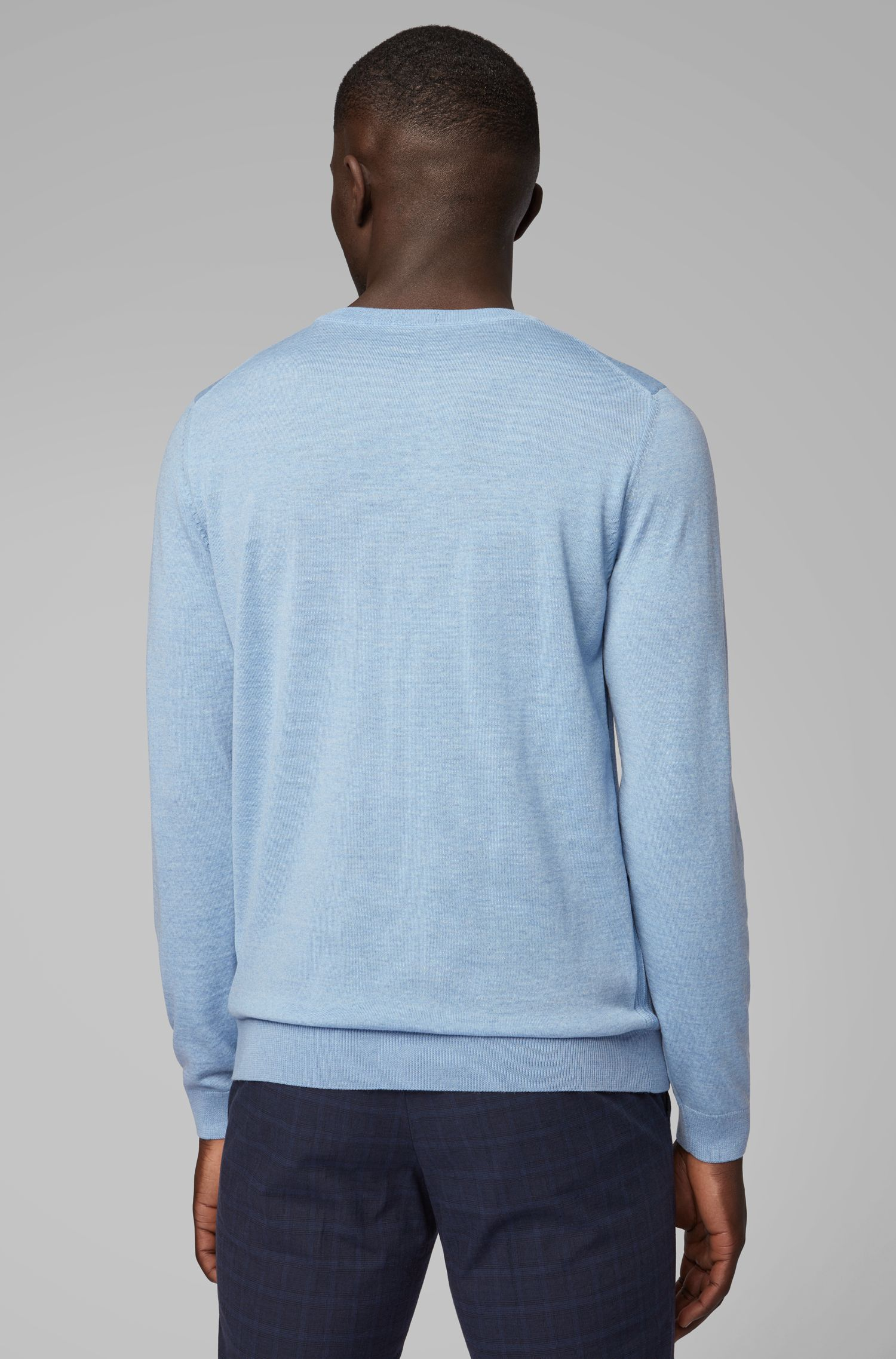 Trui van scheerwol met ronde hals, Lichtblauw