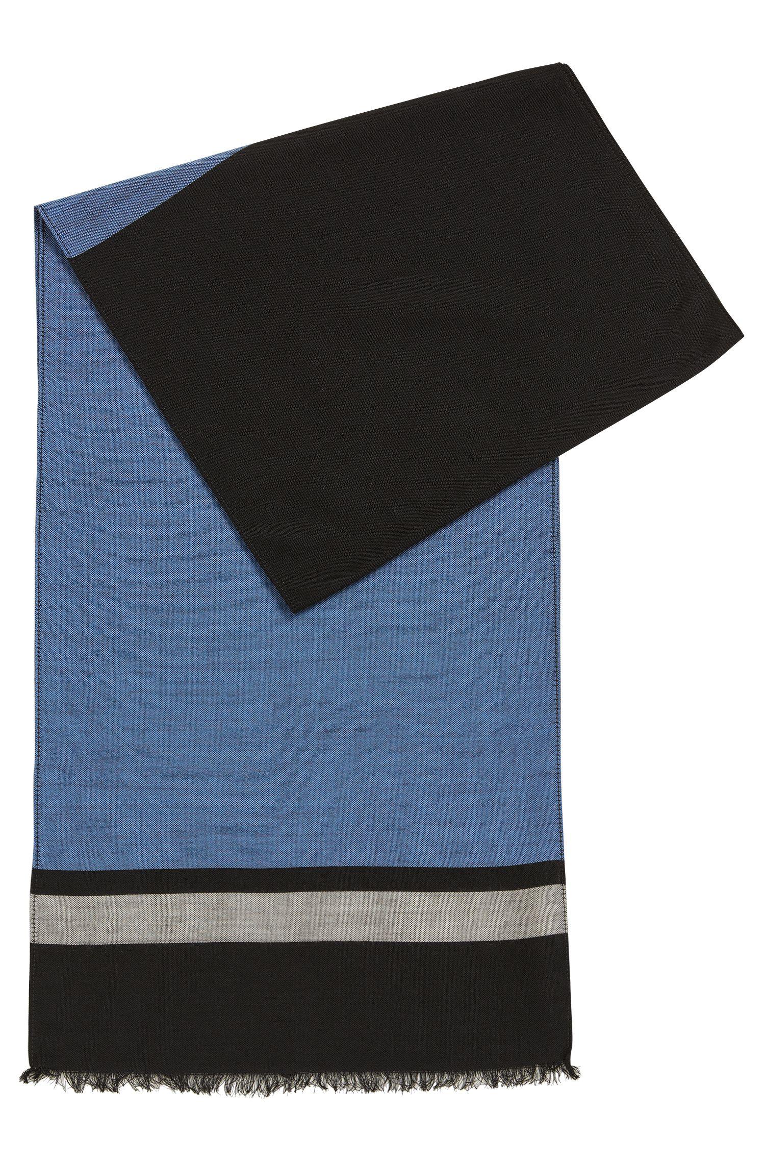 Lightweight scarf in a fine virgin-wool blend