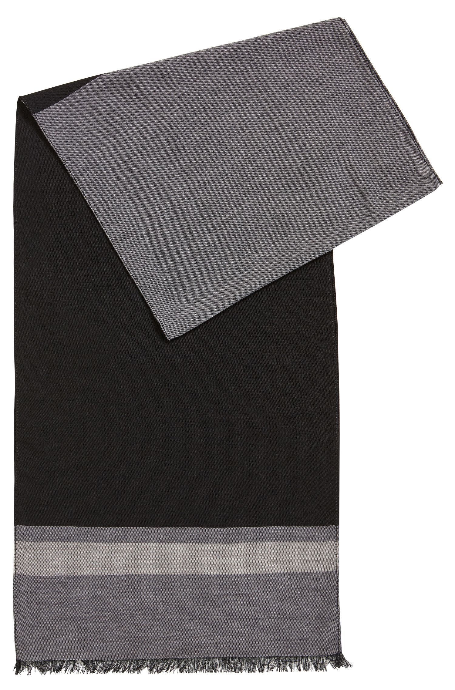 Lightweight scarf in a fine virgin-wool blend