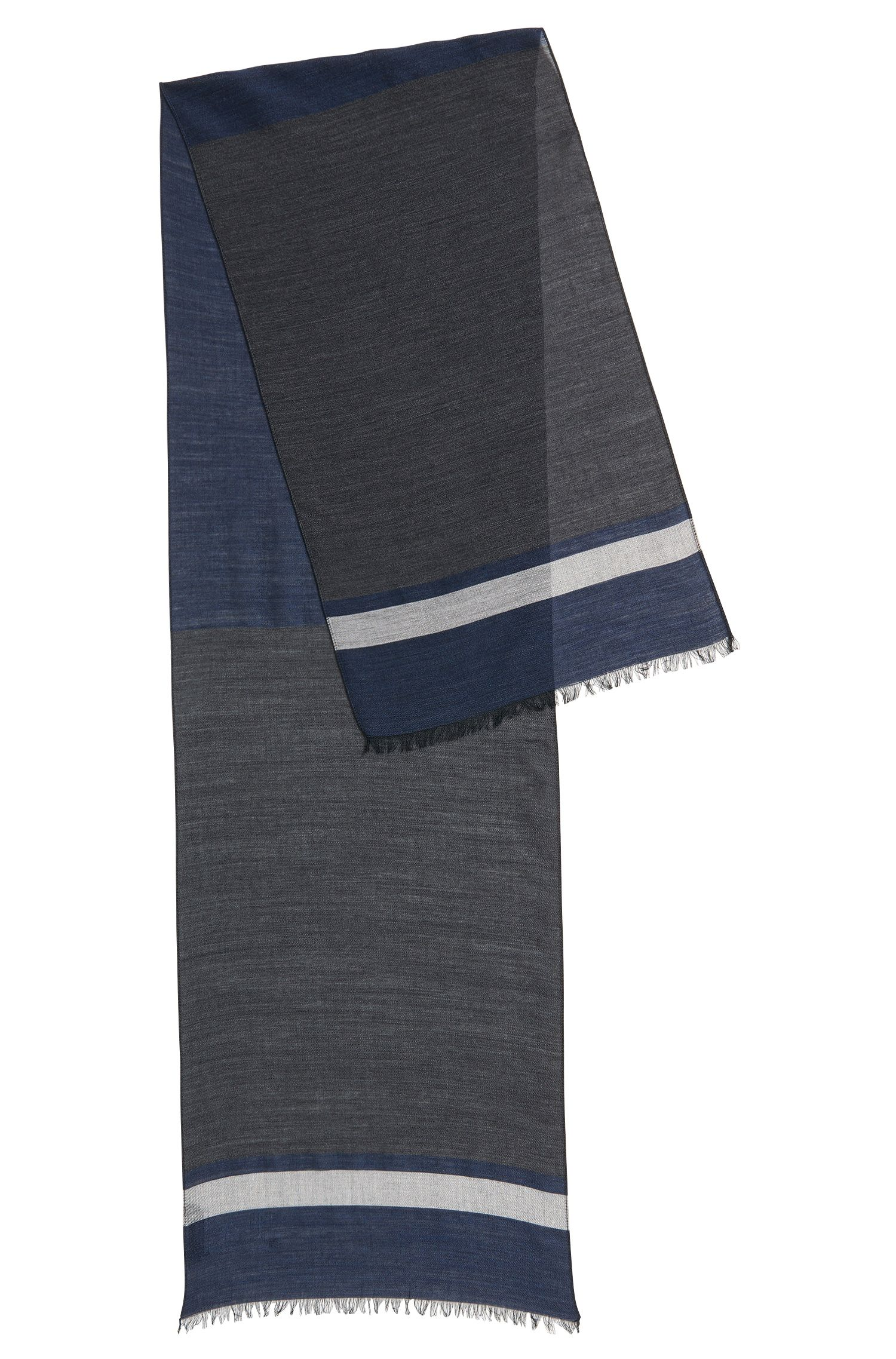 Lichte sjaal van een fijne scheerwolmix