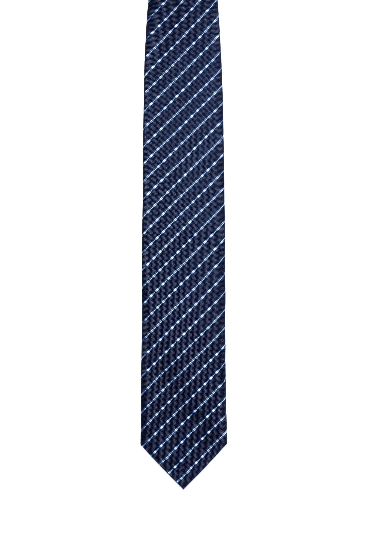 Silk tie with diagonal stripe pattern