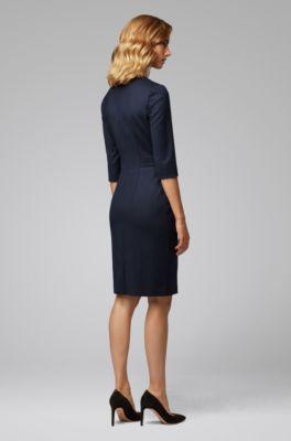 dd34c1e1e599 Regular-Fit Kleid aus Stretch-Schurwolle mit V-Ausschnitt