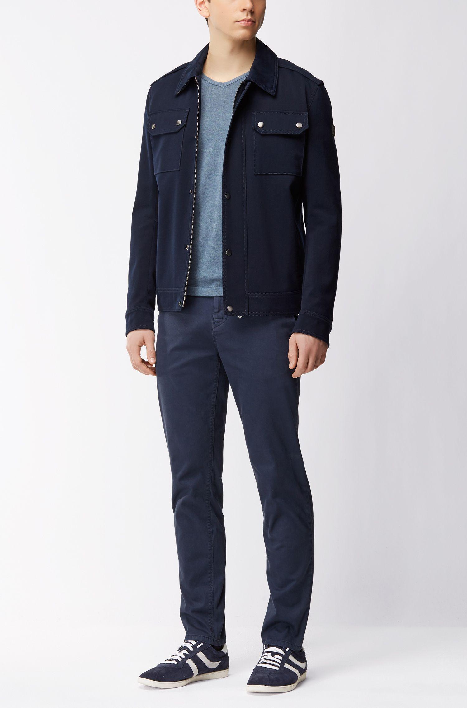 Pullover aus gestrickter Baumwolle mit V-Ausschnitt und Paspel-Details