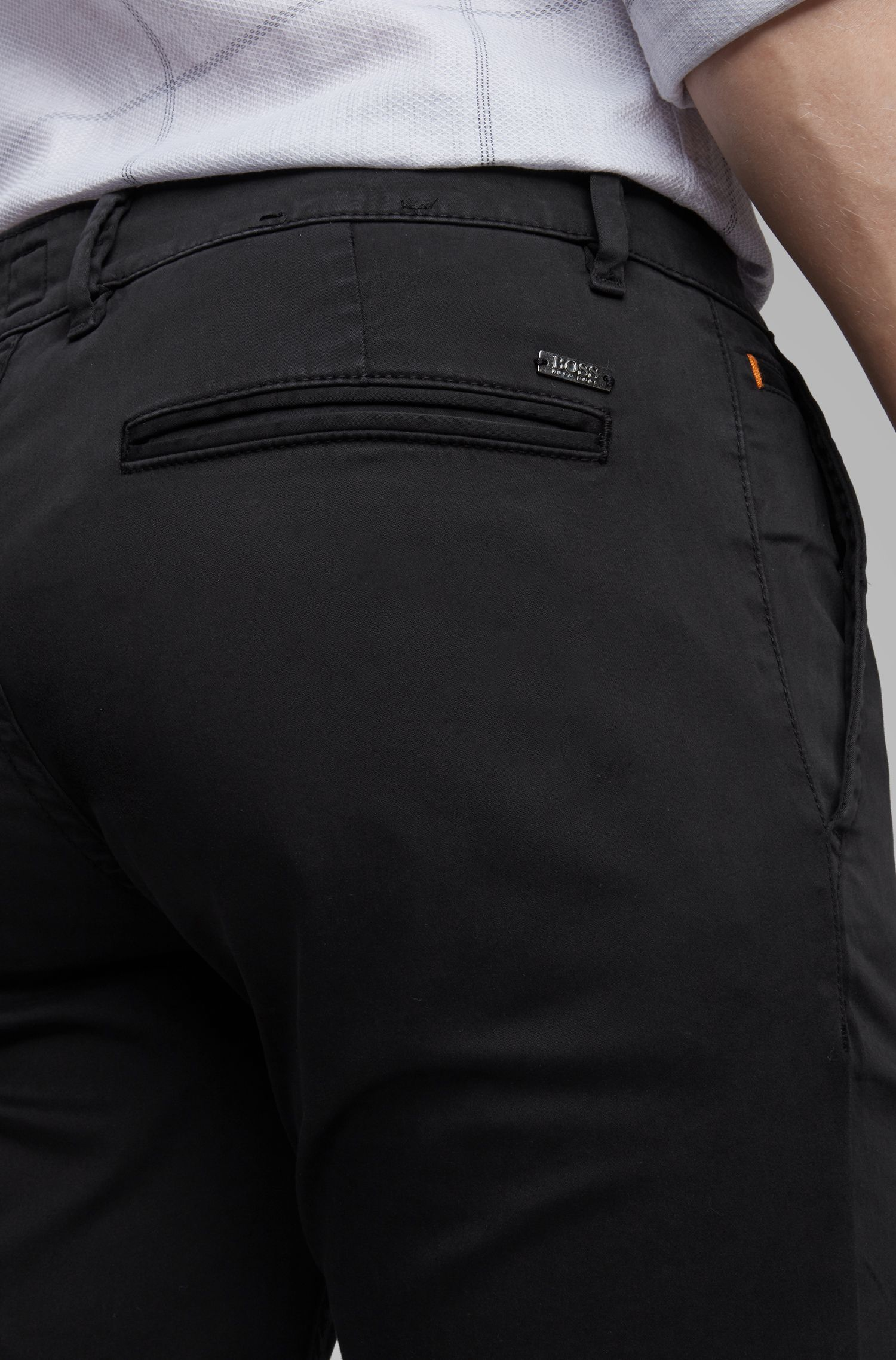 Chino casual Slim Fit en coton stretch brossé, Noir